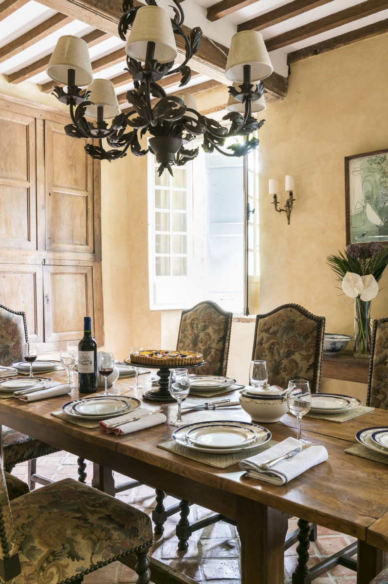 Maison Manechal - Dining Room